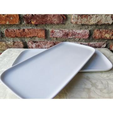 White Ceramic Plate (Curved border)