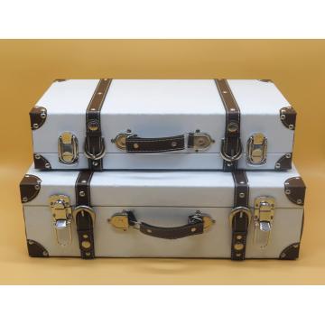 White Vintage Suitcase (Set of 2)