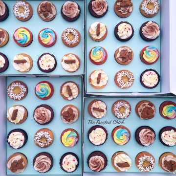Box of 12 Cupcakes (Assorted)