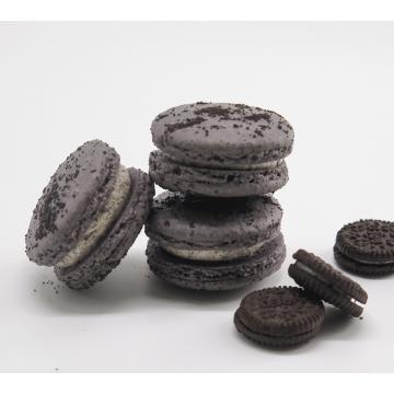 Cookies & Cream Macaron